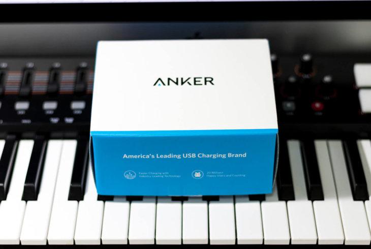 Anker USBハブの箱